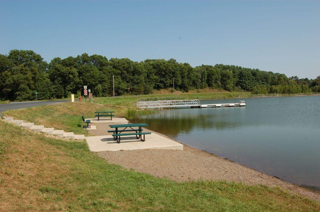Pine-Lake